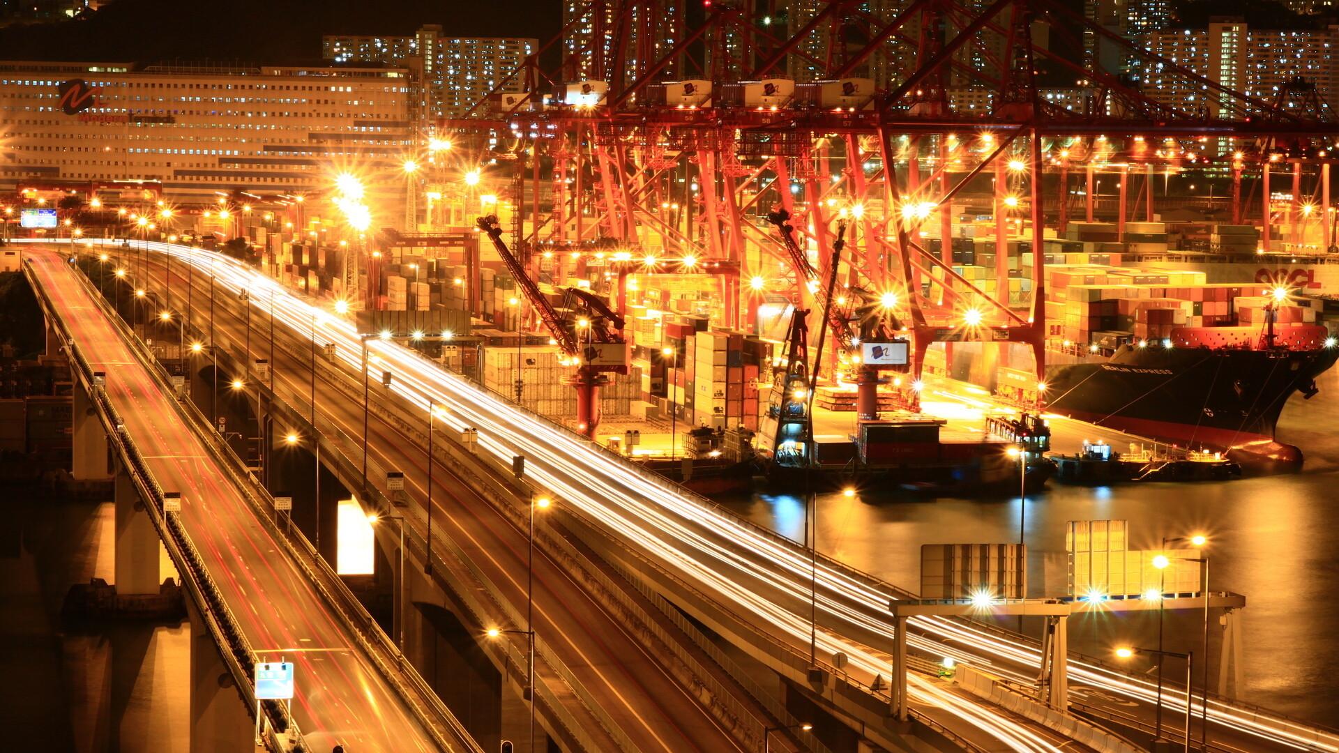 City/Dock/Harbor by night