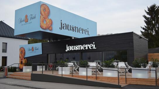 reference, resch & frisch jausnerei, wooden frame construction, wels, austria
