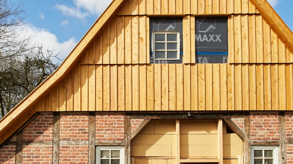 lienen, renovation timbered house, interior wall insulation, blow-in insulation, fillrock, fire resistance, fachwerkhaus, press, presse, Germany