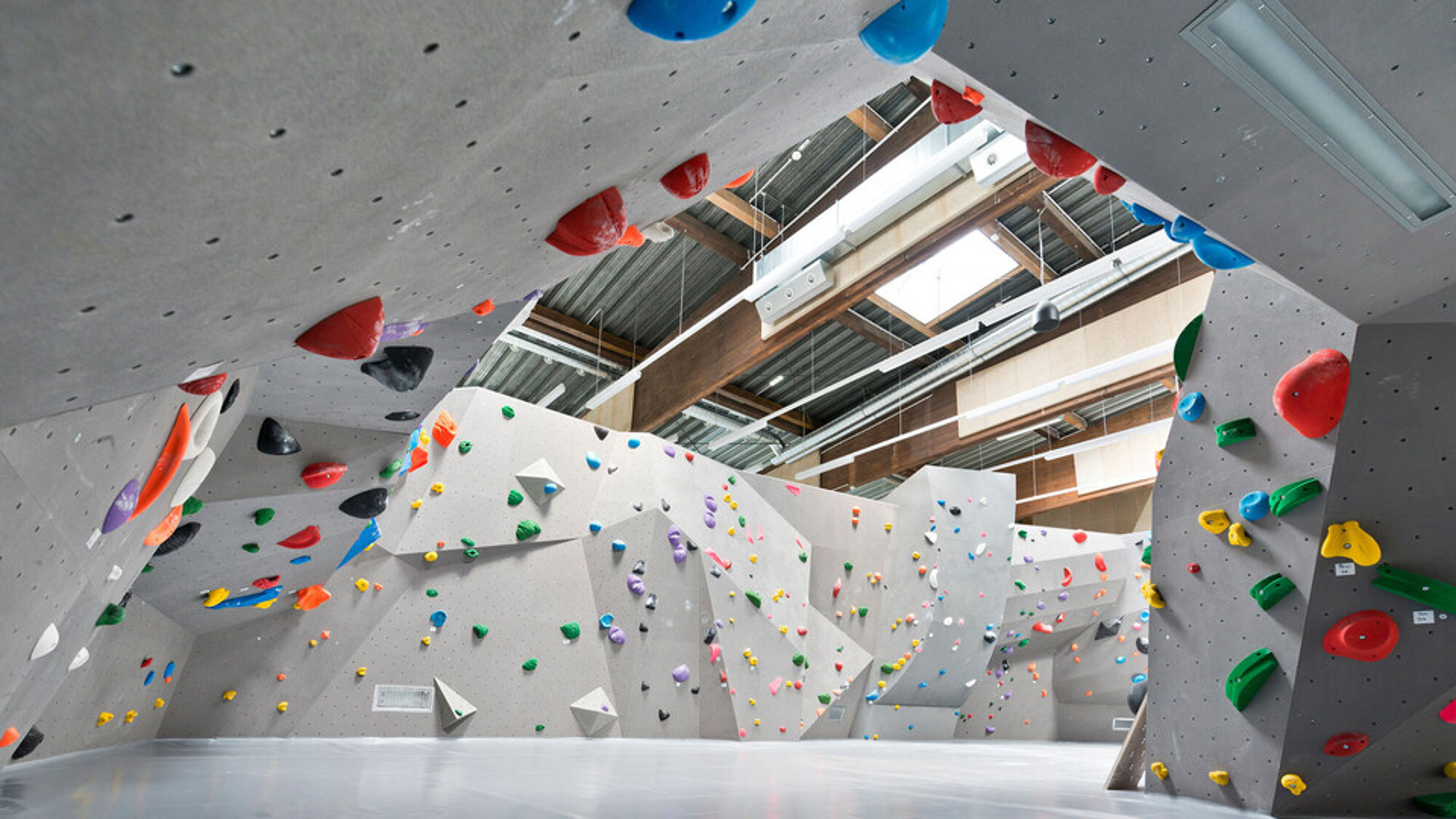 reference, kletterzentrum innsbruck, climbing centre, climbing wall, interior view, austria