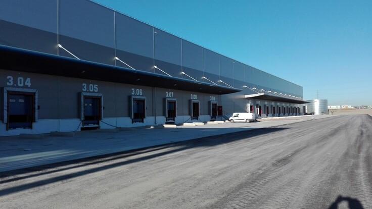 Logistic centre, Metal Box