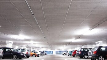 Parkhaus Parking Garage Facett A-edge 1200x600 ROCKFON