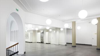 FI, Chydenia, Helsinki, Innovarch Oy, Education, Rockfon Mono Acoustic, Seamless, white, corridor