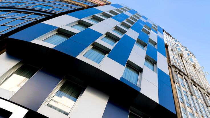 Hotel Blue Coruña in A Coruña, Spain cladded with Rockpanel Metallics facade cladding