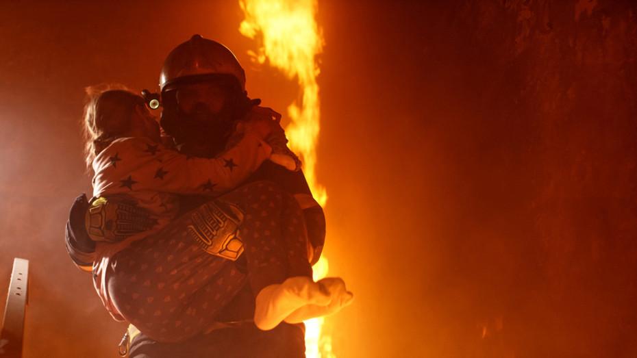 Fire, people, fireman, escape burning building
