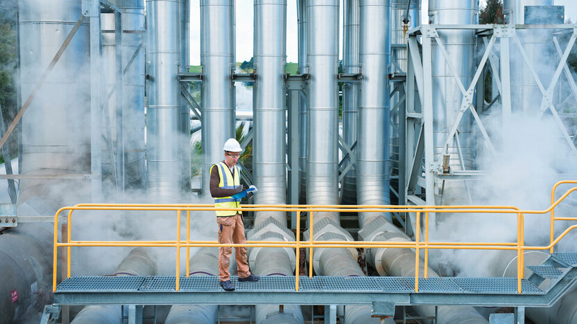 worker, helmet, process, owner, pipes, pipe, pipelines, people, one person, engineer, industry, industrial, plant, power plant, power generation, geothermal, ProRox, energy, energy, safe, safety