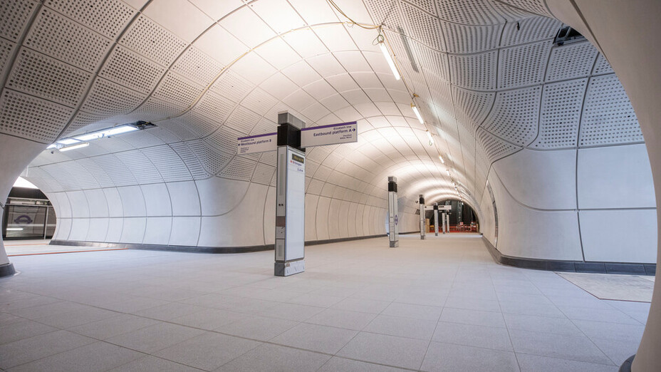 Farringdon Train Station