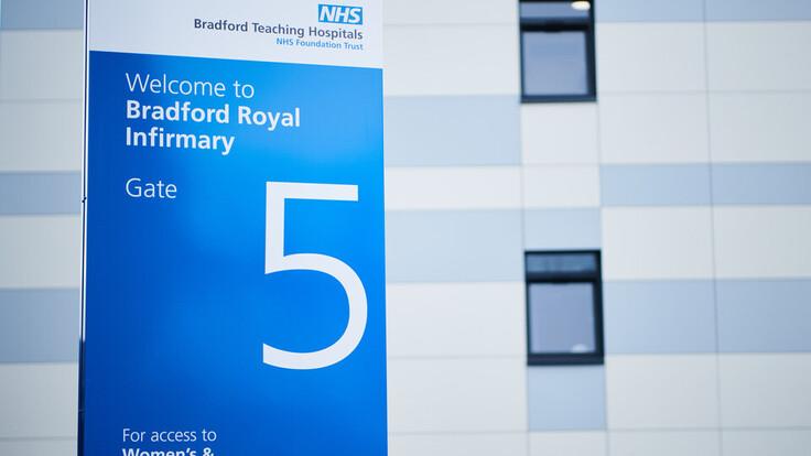 Bradford Maternity Unit, Hospital, Healthcare, RAINSCREEN DUO SLAB, Rockpanel Cladding