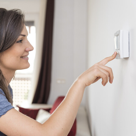 People, Humans, Thermostat, Indoor comfort, Thermal properties, Woman, Home