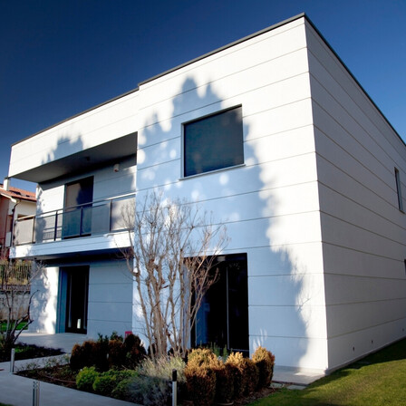 Case study SFH in Monza (Italy) after renovation. ROCKWOOL Solutions for: facades, ETICS